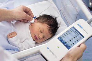 Sàng lọc mất thính lực bẩm sinh ở sơ sinh:  Phát hiện sớm & can thiệp thính lực cho trẻ